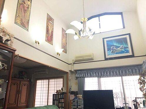 中古マンション-豊田市寿町7丁目 高い天井のゆったりとした空間です。