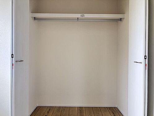戸建賃貸-海部郡大治町大字西條字南井口 リビング収納完備でお部屋を広く使用できます。