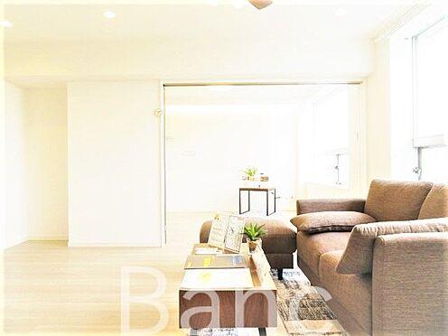 中古マンション-文京区湯島4丁目 洋室の引き戸を開放して広く使うことも可能です