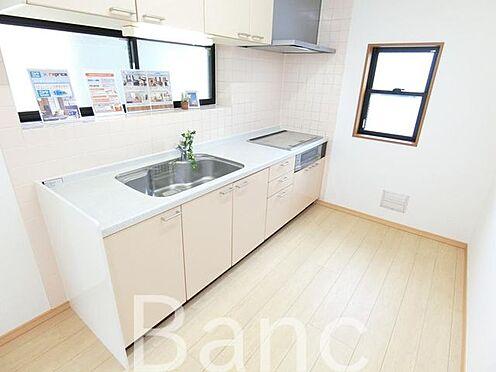 中古一戸建て-足立区佐野2丁目 綺麗で広々とした使いやすいキッチンです。