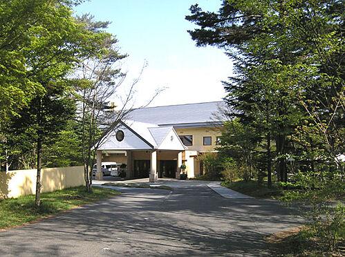 土地-北佐久郡軽井沢町大字長倉 石の教会で有名なホテルブレストンコート、お食事もおススメです。