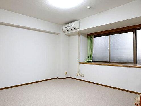 中古マンション-伊東市富戸 ≪洋室≫ こちらは約8.3帖のベッドルームになります。