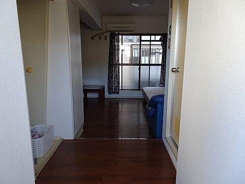 中古マンション-福岡市南区大橋1丁目 玄関から見た室内