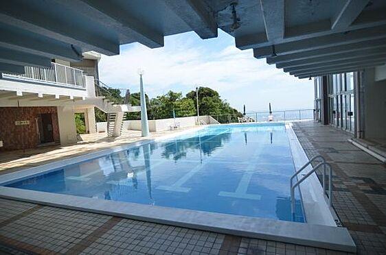 中古マンション-熱海市海光町 夏場などは所有者の方で賑わう屋外プールです。