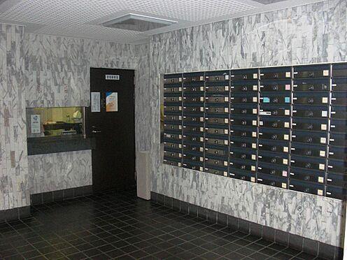 マンション(建物一部)-千代田区九段南3丁目 エントランスホールも綺麗に清掃されております。