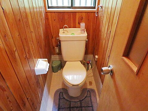 中古一戸建て-北佐久郡軽井沢町大字長倉 トイレに窓があり換気も良いです。