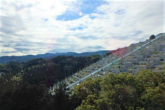 リゾートマンション-熱海市伊豆山 バルコニーの先にはこの眺望が広がります。熱海に色濃く残る雄大な自然をご覧ください。