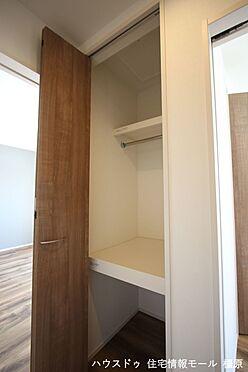 戸建賃貸-磯城郡田原本町大字阪手 1・2階廊下にも収納がございます。わずかなスペースでも無駄にせず有効活用されています。