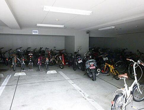 マンション(建物一部)-京都市下京区植松町 雨風凌げる屋根のある駐輪場あり