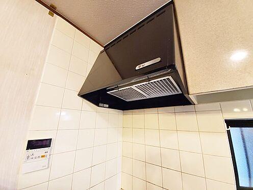 中古一戸建て-日野市大字川辺堀之内 キッチンには窓もあるので明るく換気体制も良好!