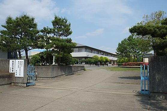 中古一戸建て-東松山市桜山台 【中学校】白山中学校まで約350m