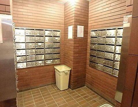 マンション(建物一部)-大阪市淀川区十三東1丁目 メールボックスもあります。