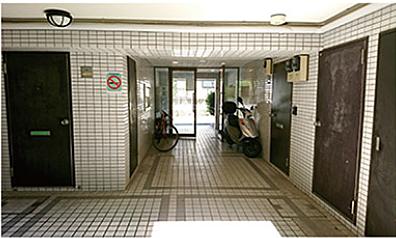 一棟マンション-八王子市大塚 1F共用廊下