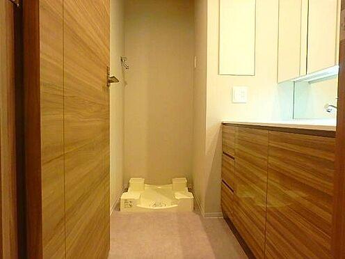 区分マンション-宇都宮市馬場通り3丁目 ■ 洗濯機置き場 ■洗面所に洗濯機置き場を備えています。※写真は空室時のものです