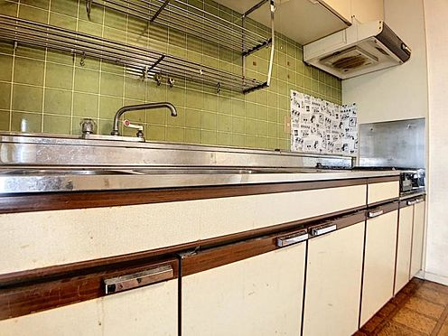 区分マンション-福岡市中央区港3丁目 壁付のキッチンです。