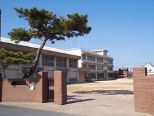 店舗付住宅(建物全部)-和歌山市築港2丁目 【小学校】砂山小学校まで1222m