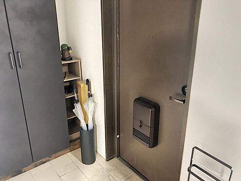 区分マンション-豊田市生駒町大坪 玄関横に下駄箱がついているので、片付いた玄関がキープできます◎