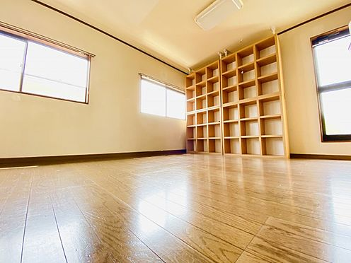 中古一戸建て-大野城市若草1丁目 2階約9.0帖の洋室は2部屋に分けることも可能です!