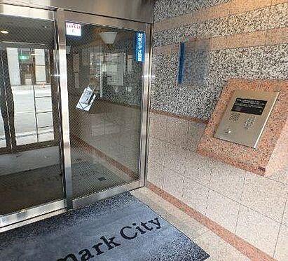 マンション(建物一部)-大阪市中央区上本町西2丁目 エントランスにはオートロックを設置