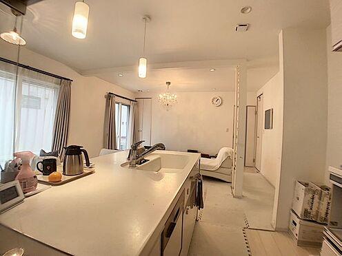中古一戸建て-豊田市浄水町原山 キッチンからはお部屋全体が見渡せます。お子様のようすを見ながらお料理できます!