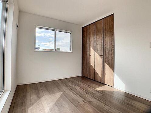 新築一戸建て-名古屋市守山区翠松園2丁目 収納が多いとお部屋をスッキリお使いいただけます