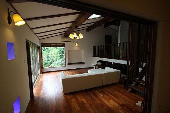 中古一戸建て-熱海市伊豆山 リビングダイニング始め、オーナー様がリノベーションをなされたので室内の状態は大変良好です。
