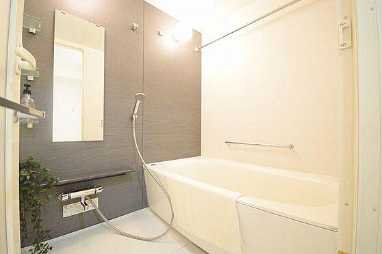 中古マンション-八王子市高倉町 2020年8月撮影、広々とした浴室です