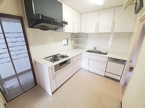 区分マンション-多摩市鶴牧4丁目 L字型キッチンで使い易いです