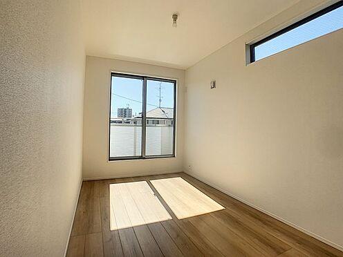 新築一戸建て-名古屋市守山区瀬古1丁目 南向きのバルコニーで日当たりもいいです。