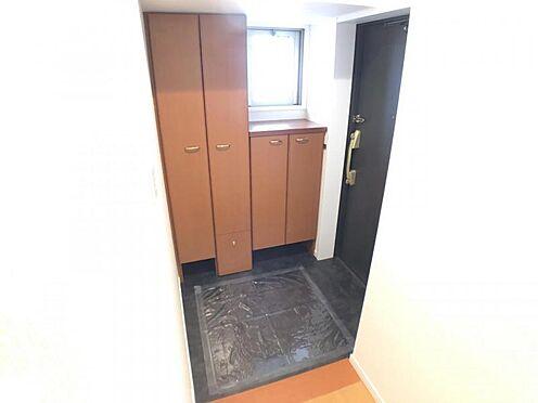 区分マンション-名古屋市西区南堀越1丁目 家族全員の靴をすっきり見やすく収納。玄関をキレイに保てます。