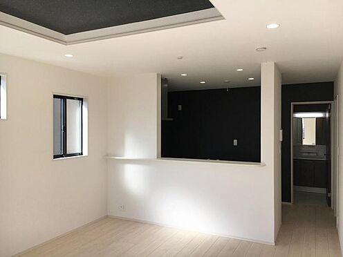 戸建賃貸-大府市北崎町7丁目 リビングは約17.5帖!折り上げ天井がお部屋を広く見せてくれます。(こちらは施工事例です)