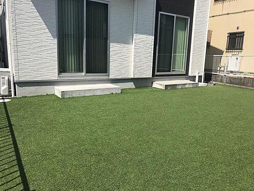 戸建賃貸-西尾市平坂吉山1丁目 お子様やペットの遊び場にもなるお庭。敷地内なので安心ですね。