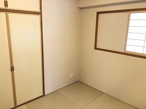 中古マンション-名古屋市緑区八つ松2丁目 LDKには安らぎをもたらす和室が隣接しております。