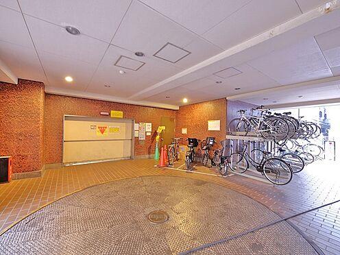 中古マンション-大田区大森北1丁目 駐車場入り口