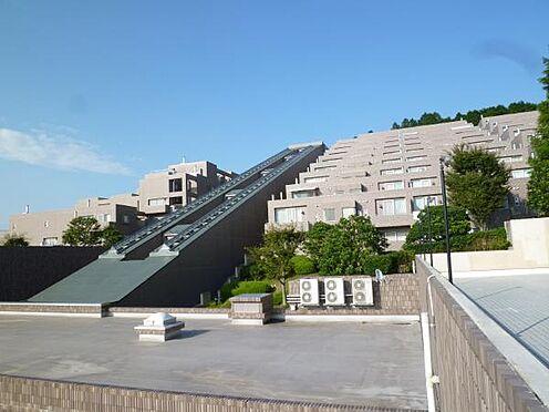 中古マンション-田方郡函南町平井 121戸ある、南箱根ダイヤランド別荘地内に聳えるリゾートマンション。