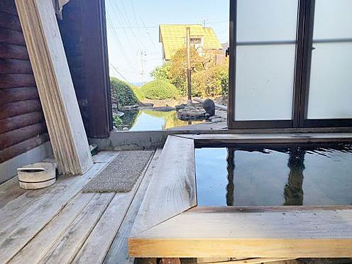 中古一戸建て-伊東市富戸 ゆったりした浴室のスペースが贅沢です。