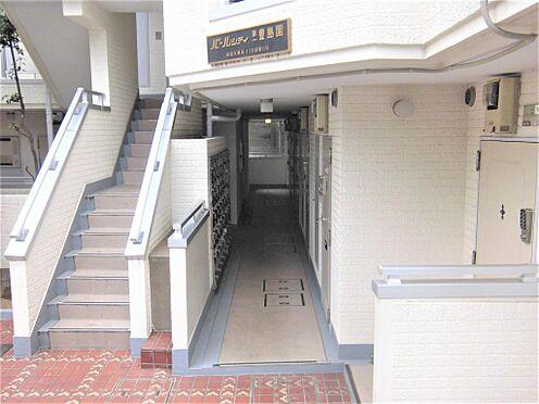マンション(建物一部)-練馬区練馬4丁目 入り口は開放感がある作りです。