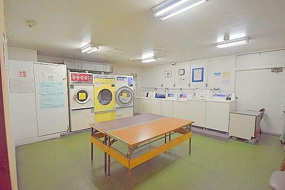 マンション(建物一部)-大阪市淀川区西宮原2丁目 清潔な印象のコインランドリー