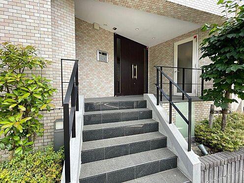 区分マンション-目黒区大岡山1丁目 TVモニタ付インターホン有!部屋の中から来訪者を確認できるので、防犯性に優れています。
