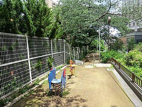 マンション(建物一部)-千代田区九段北4丁目 周辺環境:飯田橋児童遊園