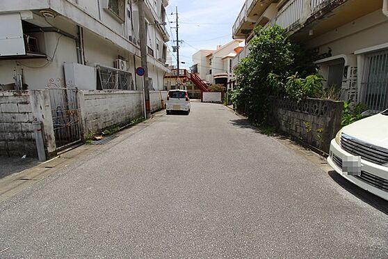 アパート-沖縄市中央3丁目 前道