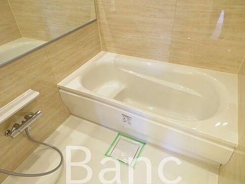 中古マンション-千代田区神田東松下町 1日の疲れを癒してくれるバスルームです。
