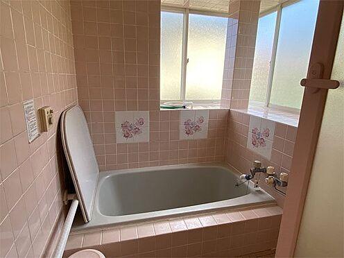 中古一戸建て-伊東市荻 【浴室】温泉を楽しめます。