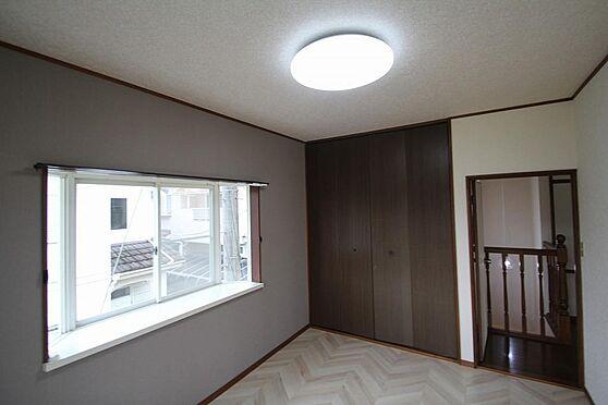 戸建賃貸-熊谷市江南中央3丁目 2階西側のクローゼット。