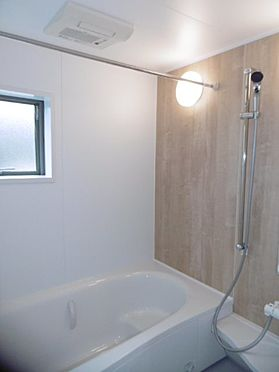 新築一戸建て-町田市小山町 窓のある浴室暖房乾燥機付きバスルーム