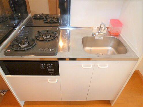 アパート-横浜市神奈川区入江1丁目 コンパクトですが、機能的なキッチン