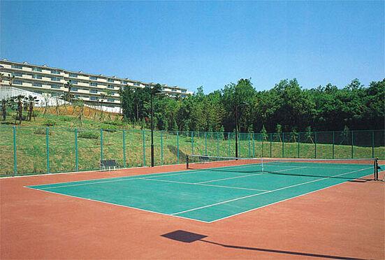 中古マンション-伊東市富戸 テニスコートも利用可能です。