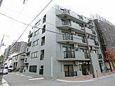 JR線「浦和」駅徒歩12分、通勤・通学に便利な立地です。