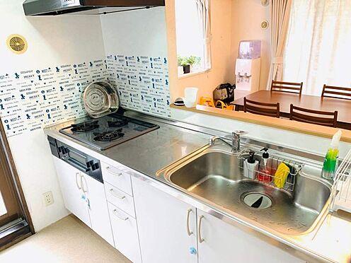 中古マンション-名古屋市昭和区元宮町3丁目 システムキッチンでお料理の効率もUP!ご飯を作りながら会話にも参加できるカウンターキッチンなので楽しくお料理ができるのも嬉しいポイントです♪