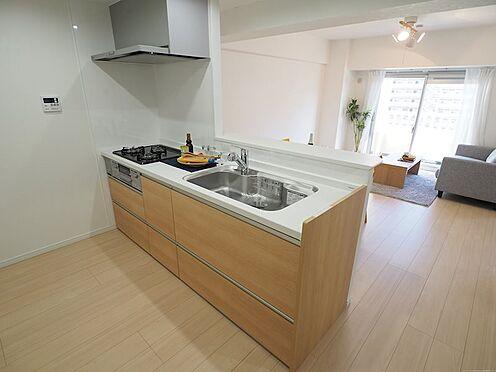 中古マンション-千葉市美浜区真砂2丁目 リビングを見ながら料理が出来るカウンターキッチンです!